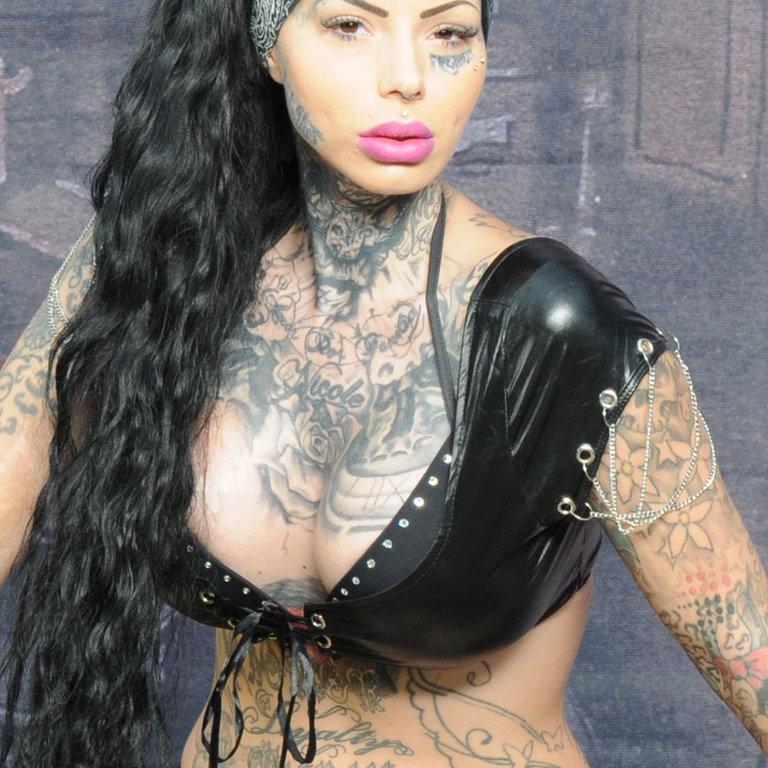 Sexy girls bauchfrei
