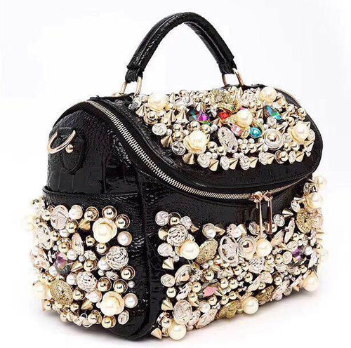 "Glamour Bag Model "" Beauty "" Exklusive Tasche mit Gold Nieten Perlen Steinen"
